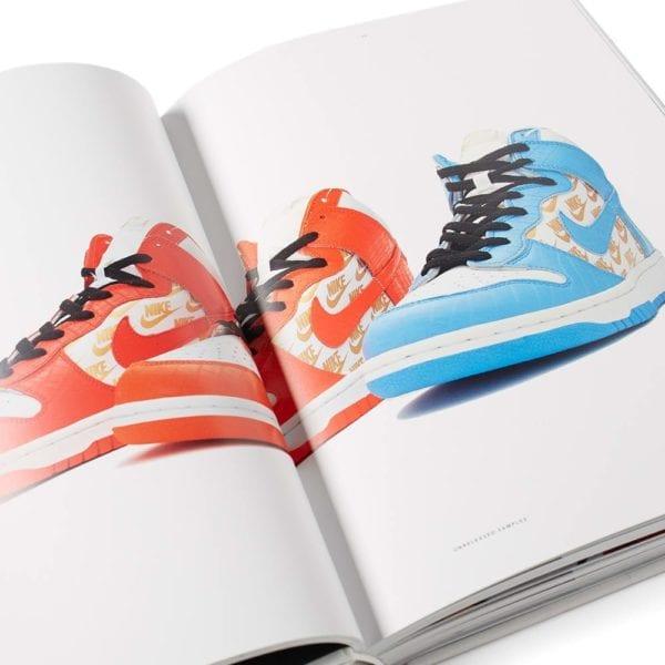 para Vicio aceptar  Nike SB: The Dunk Book - New Mags
